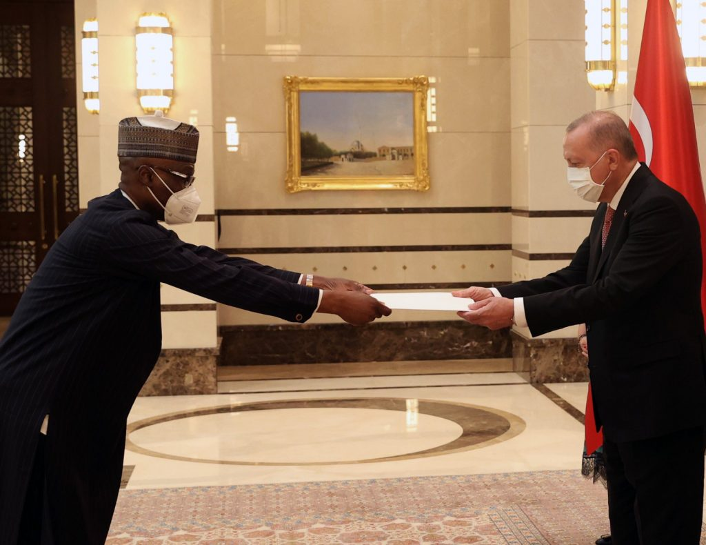 Nigerian Ambassador presents credentials to Erdogan